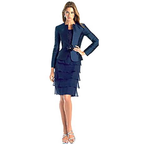TRAJES DE MUJER Traje de vestir en azul marino, rojo, gris, de lana, algodón, slim fit o con corte flare para mujer.