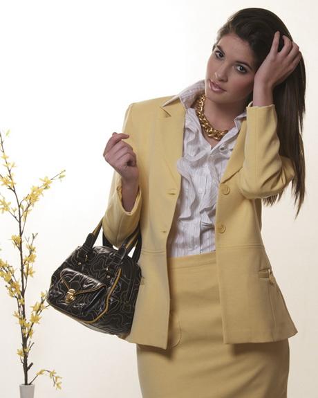 Servicio dama trajes en Marbella
