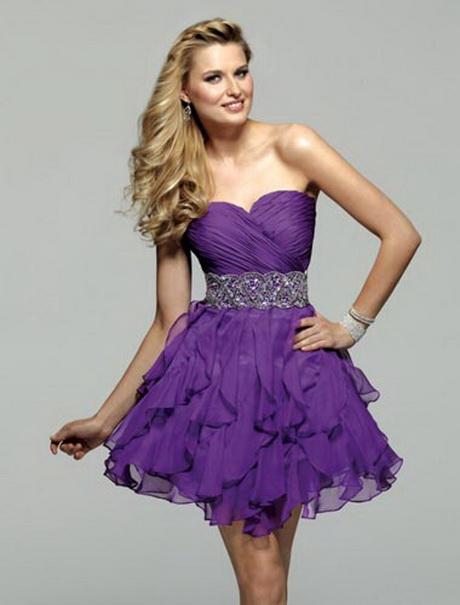 Renda-se Moda, em BH, aluga vestidos de luxo por preços