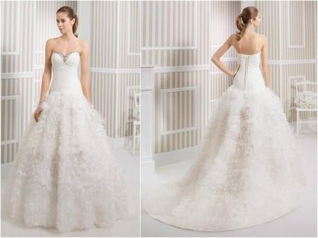 Vestido novia plumas