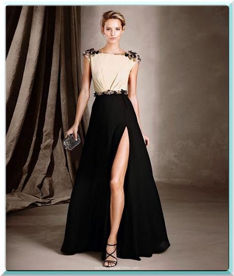 Con la ayuda de los accesorios, incluso los vestidos de fiesta sencillos se pueden transformar en impresionantes y elegantes vestidos de fiesta de diseño. Por eso, siempre que se abstengan de estar cargado de joyas y tengan exclusividad con algunos artículos bien escogidos.